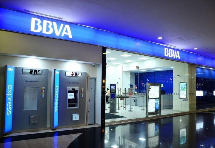 La firma señala que la nueva identidad fue diseñada especialmente para el creciente entorno digital en el que el banco opera. (Internet)