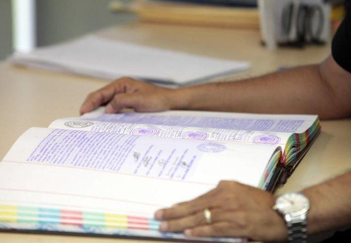 Durante septiembre y octubre el número de interesados por realizar un testamento llega a 60 o más por día, la mayoría concluye el trámite. (Milenio Novedades)