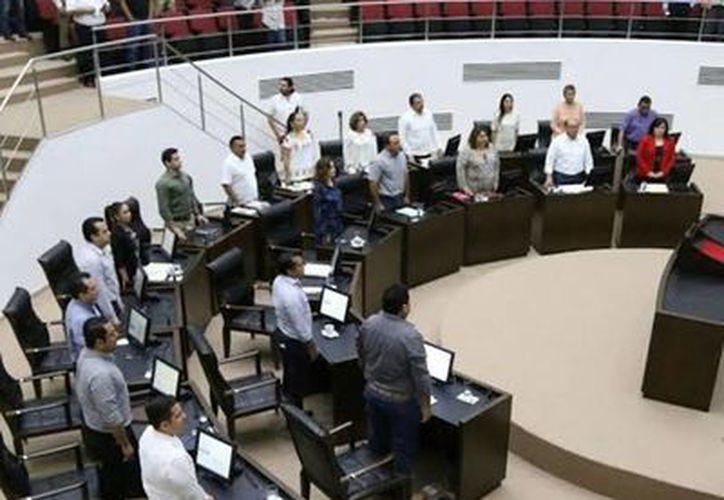 Imagen de la sesión ordinaria de este martes, de la LXII Legislatura en el Congreso del Estado. Anuncian la comparecencia de 11 funcionarios del gabinete estatal. (Milenio Novedades)