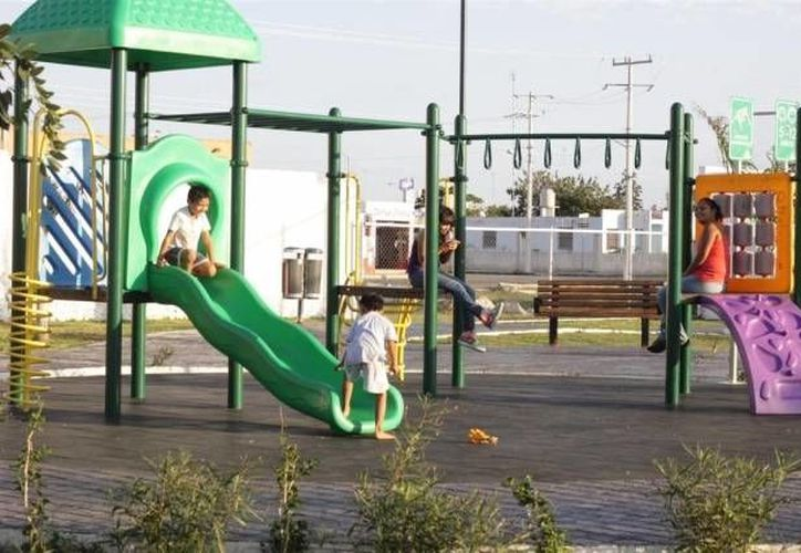 La idea es aprovechar los juegos, y a través de un rotor o una dínamo beneficiarse de la actividad física de los niños. (Archivo/SIPSE)