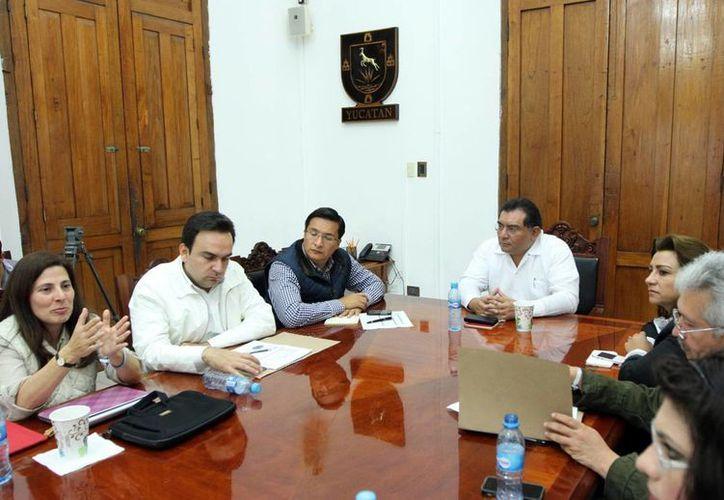 Se reúnen funcionarios del Unicef y autoridades estatales para definir estrategias de apoyo a la infancia. (Milenio Novedades)