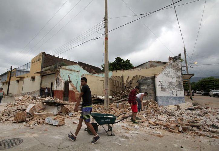Más de mil familias que tienen pérdida total o parcial de sus viviendas fueron excluidas del padrón de damnificados. (Foto: OroRadio)