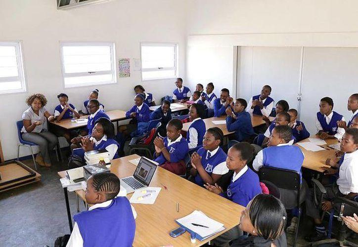 Las becas serán renovadas mientras las niñas puedas demostrar que siguen siendo vírgenes. (africanews.com)