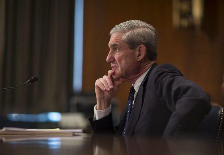El director del FBI, Robert Mueller, considera que quienes trabajan en el equipo de rescate de rehenes de la agencia todos los días aceptan altos riesgos. (EFE/Archivo)