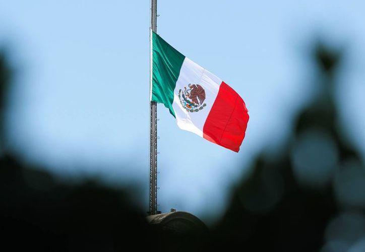 El Día de la Bandera fue institucionalizado por el presidente Lázaro Cárdenas en 1940. Imagen de contexto del lábaro patrio. (Notimex)