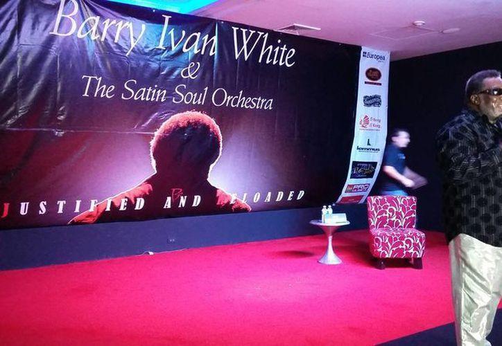 Barry Iván White se presentará en Cancún con la la orquesta The Satin Soul. (Tomás Álvarez/SIPSE)