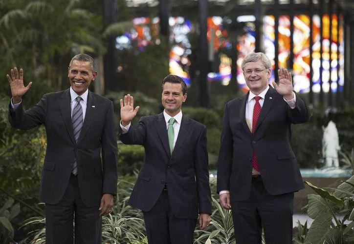 AMLO dijo que Peña Nieto 'no tiene los tamaños políticos'. (Archivo/Notimex)