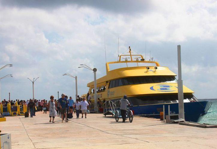 Aumentó el número de personas que cruzan de Playa del Carmen a Cozumel y viceversa. (Daniel Pacheco/SIPSE)