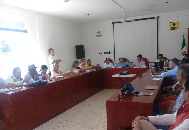 Se reunió el consejo asesor de la reserva de Yum Balam, en la sala de juntas del Ayuntamiento. (Raúl Balam/SIPSE)