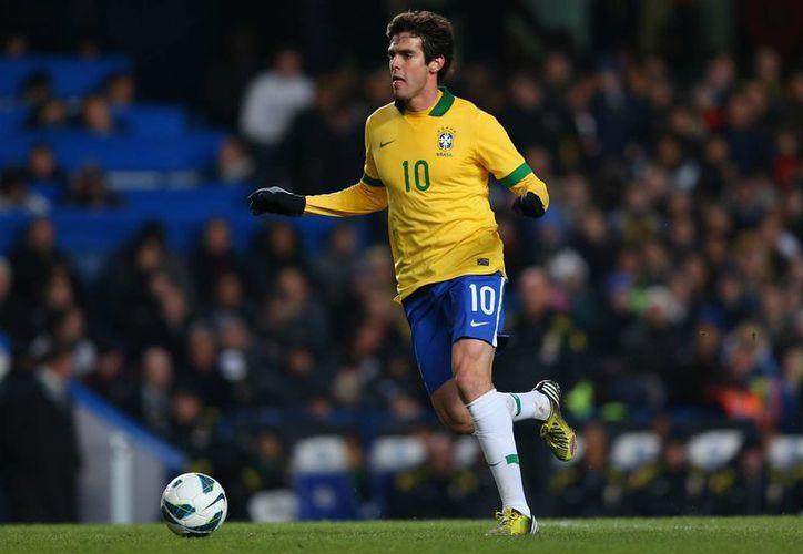 Kaká, quien fue campeón con Brasil en el Mundial de 2002, fue convocado de última hora para jugar la Copa América Centenario. (cuantoacuanto.com)
