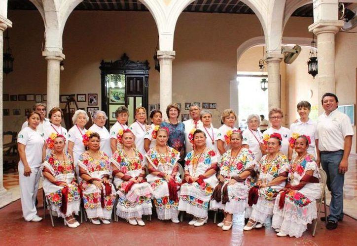Los representantes del Isstey tuvieron destacada participación en los Juegos del Inapam. (SIPSE)