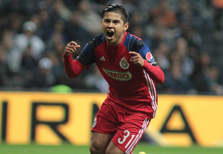 """La """"Chofis"""", el jugador rojiblanco podría perderse el inicio del Torneo Apertura 2017. (Straffon Images)."""