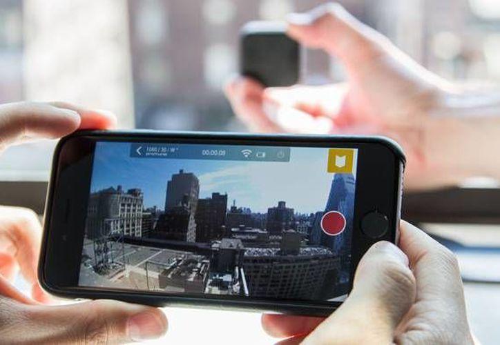 Ahora podrás transmitir videos en Periscope desde una GoPro Hero 4. La aplicación estará disponible solamente para iPhone 5S y superiores con un sistema operativo desde iOS 8.2. (www.cnet.com)