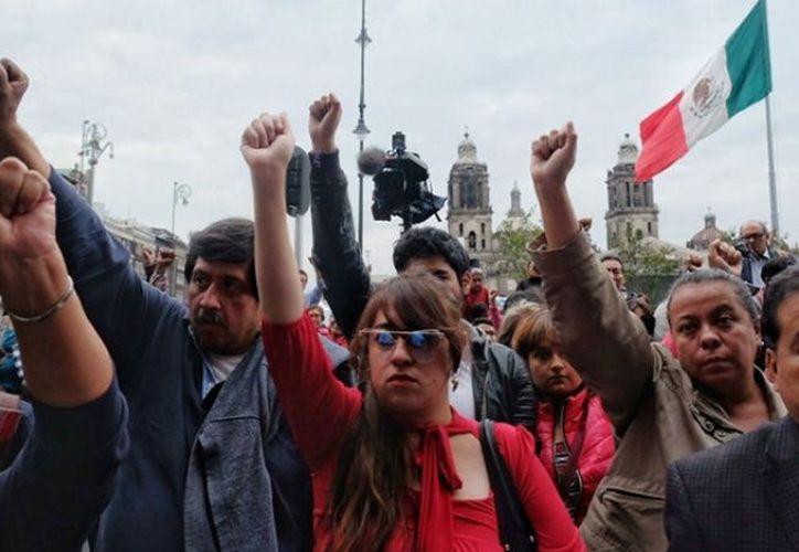 Miles de personas salieron a las calles y ayudaron a levantar escombros, a ayudar a damnificados y a reconstruir toda una ciudad. (La Verdad)