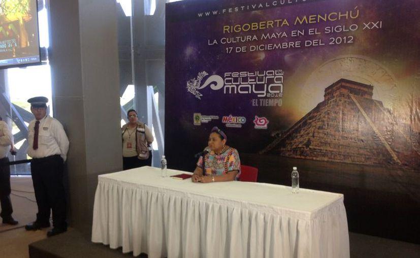 Rigoberta Menchú durante su conferencia en Mérida. (SIPSE)