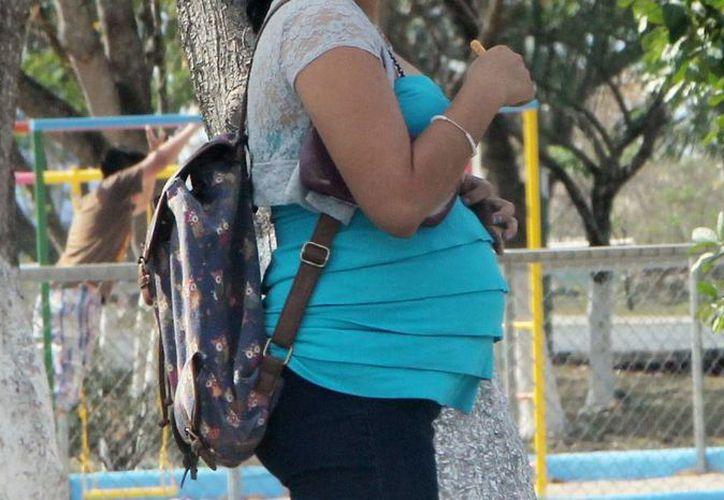 Los embarazos dejan como secuela la famosa 'pancita' debida a un defecto de los músculos del abdómen. (Milenio Novedades)