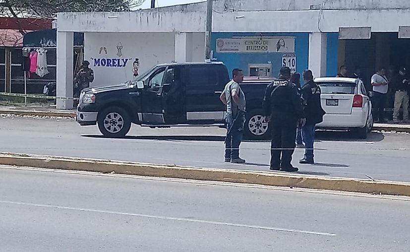 El conductor fue perseguido y ultimado tras recibir varios impacto de bala. (Eric Galindo)