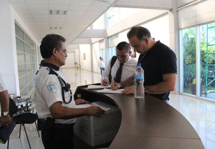 El empresario Carlos Mimenza libró una vinculación a proceso por el delito de fraude, contra un artesano. (Daniel Tejada/SIPSE)