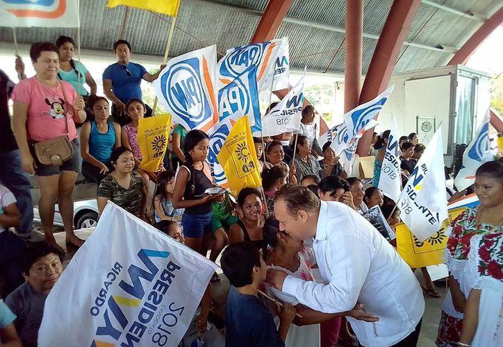 """""""Ustedes son los jefes no los presidentes municipales y yo quiero trabajar con ustedes"""", afirmó José Esquivel. (Redacción/SIPSE)"""