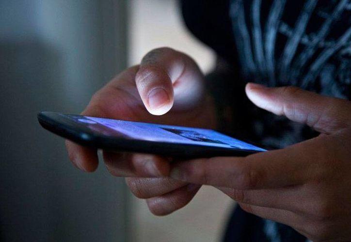 Los extorsionadores suelen robar información confidencial de los usuarios para luego intimidarlos cuando simulan que saben todos los movimientos de su víctimas. (Imagen de contexto/bytecells.com)