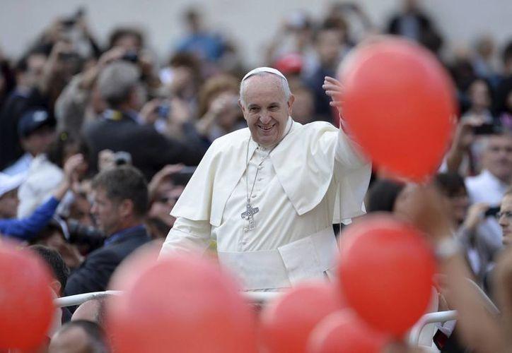"""El Papa Francisco dijo que la responsabilidad del científico, """"sobre todo el científico cristiano, es preguntarse sobre el porvenir de la humanidad y del mundo"""". (EFE/Archivo)"""