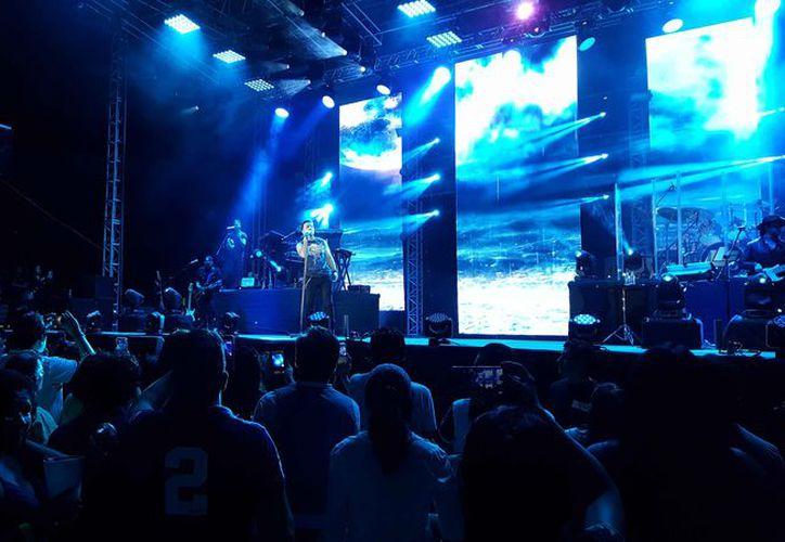 El concierto se llevó a cabo en la Plaza de Toros. (Jocelyn Díaz/SIPSE)