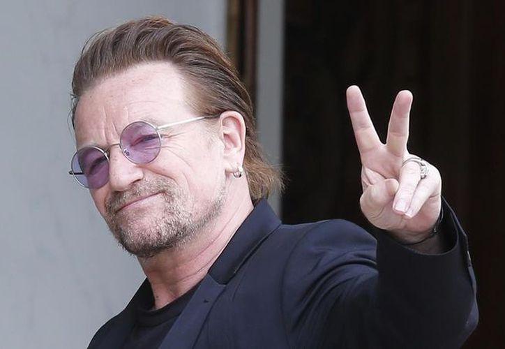 Bono, cantante de la banda irlandesa U2, canceló su presentación en Berlin a minutos de haber comenzado. (Foto: El Periódico)