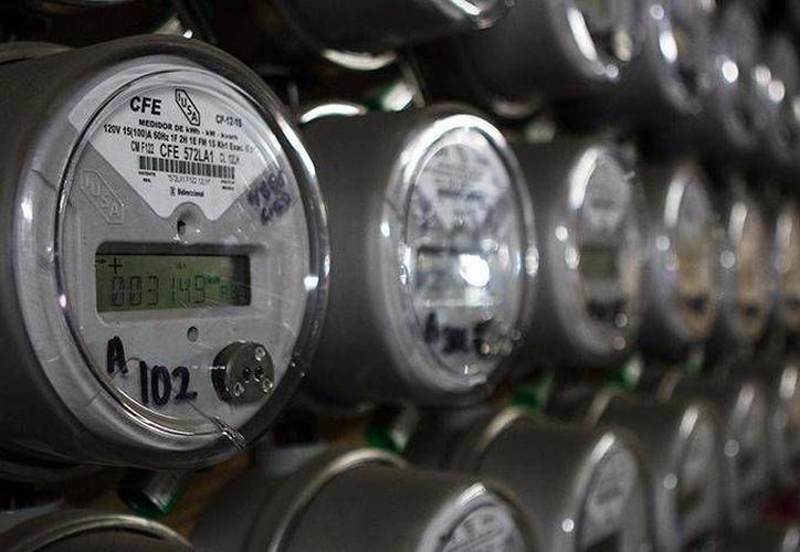 La CFE dio a conocer las tarifas que aplicará durante el año en curso. (Excélsior)