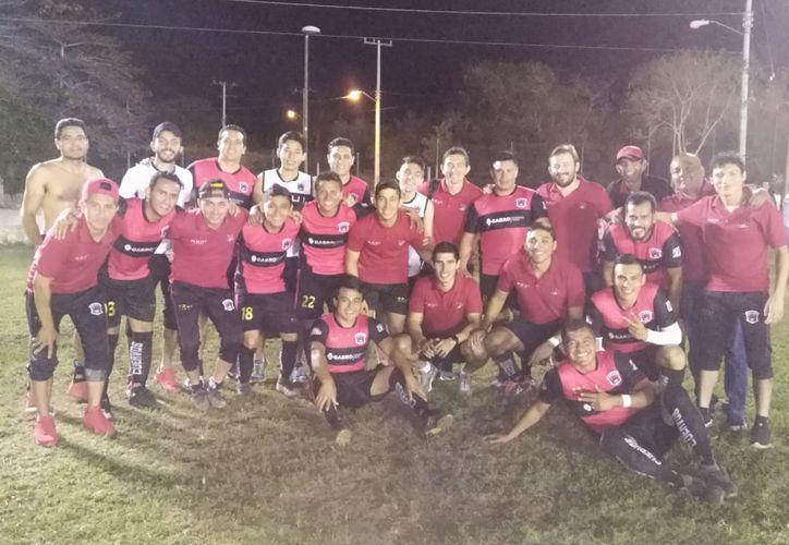 Cuervos de Conkal mantiene el paso firme en la Primera Fuerza Estatal, donde es superlíder. (Novedades Yucatán )