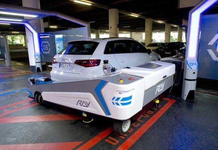 Ray es una máquina similar a un montacargas y su servicio cuesta 29 euros. (AP)