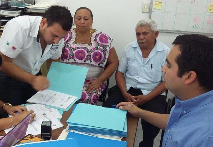 Alejandro Quintal Novelo solicitó este martes al mediodía su inscripción como precandidato del PAN a la alcaldía de Chocholá. (SIPSE)