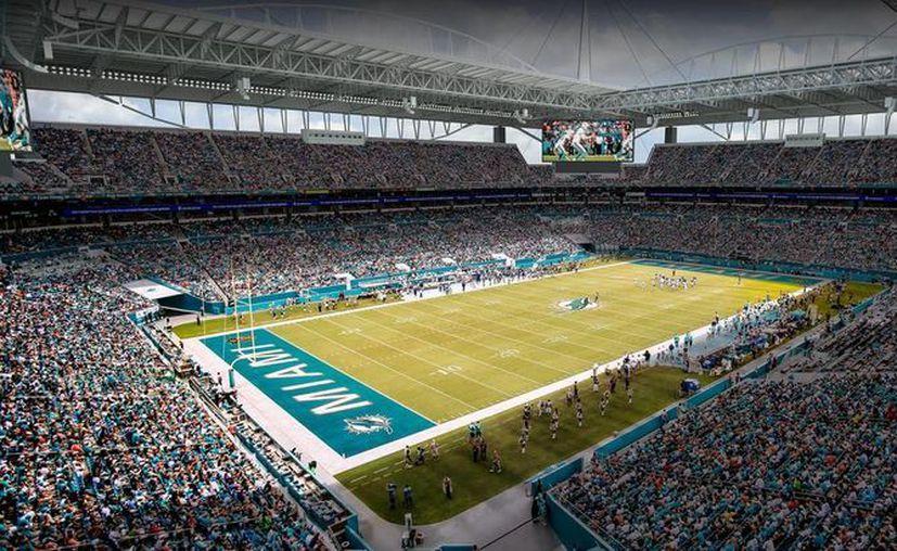 Este es el estadio de Dolphins de Miami, donde se han tomado medidas extraordinarias para combatir al mosco transmisor del virus del zika, debido a un brote reciente. (Foto tomada de piodeportes.com)