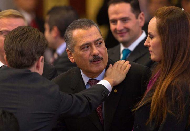 El coordinador del PRI en la Cámara de Diputados, Manlio Fabio Beltrones. (Centro). (Notimex)