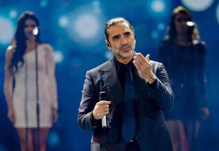 """Alejandro Fernández estrenó el video """"Para sacarte de mi vida"""", a dueto con los Tigres del Norte. (Foto: AS)"""