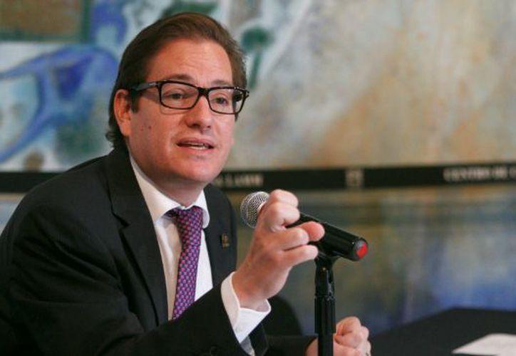 El precandidato anunció que Alejandro Piña se encargará de coordinar su precampaña. (Foto: Internet)