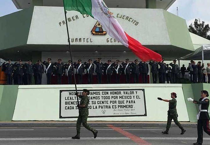 Aspecto de la ceremonia realizada en el Campo Militar No. 1, en honor de 17 generales del Ejército que pasaron a situación de retiro. (www.sedena.gob.mx)