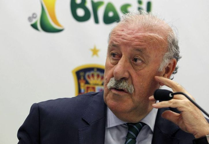 Vicente del Bosque se convirtió en 2010 en el primer entrenador en levantar el título del mundo con España. Ahora intentará ser el primer técnico en ganar con una selección europea el Mundial en América. (EFE)