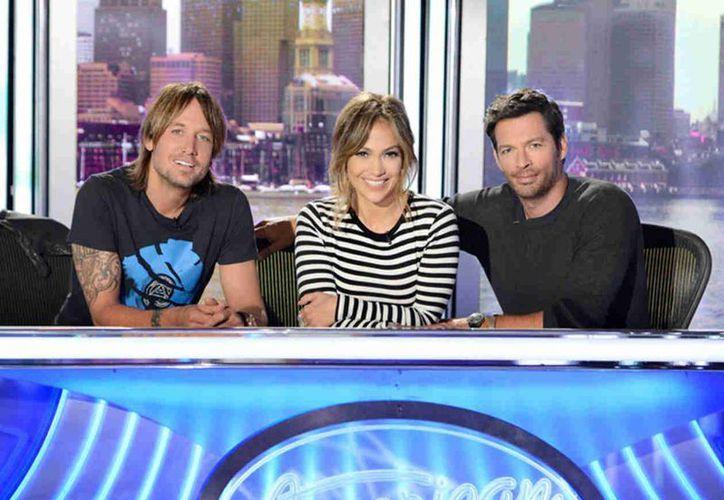 Keith Urban, Jennifer López y Harry Connick, Jr., los jueces de 'American Idol'. (tutupash.com)