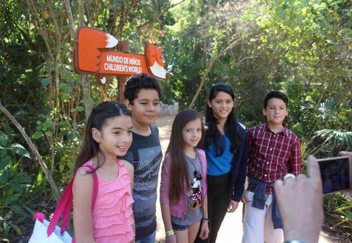 El mundo de los niños cuenta con dos cenotes para los menores, tobogán y un aviario. (Foto: Adrián Barreto)