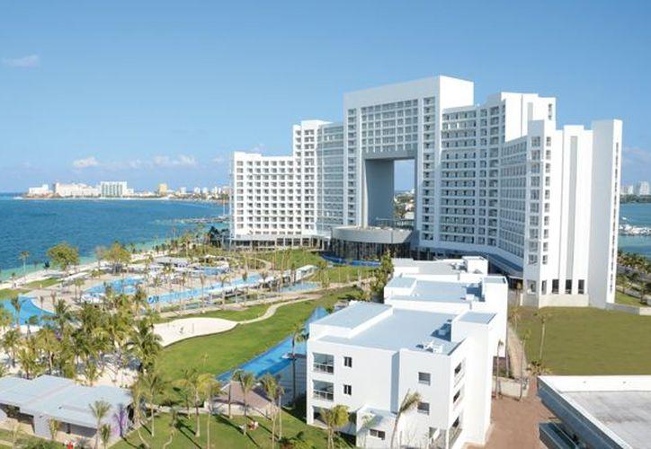 En el hotel Riu Península se inviertieron 106 millones de pesos. (Internet)