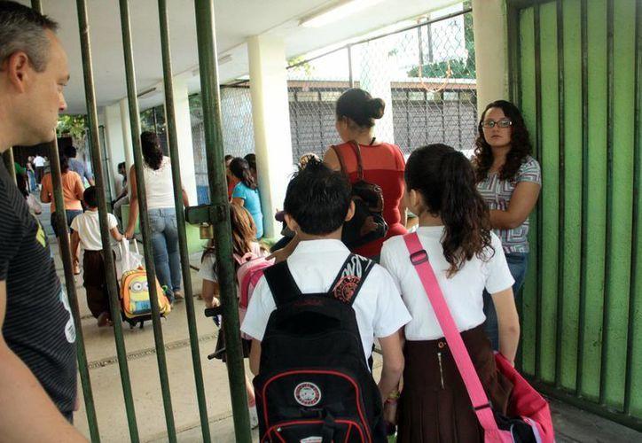 Más de 431 mil estudiantes de educación básica regresan hoy a clase. (Milenio Novedades)