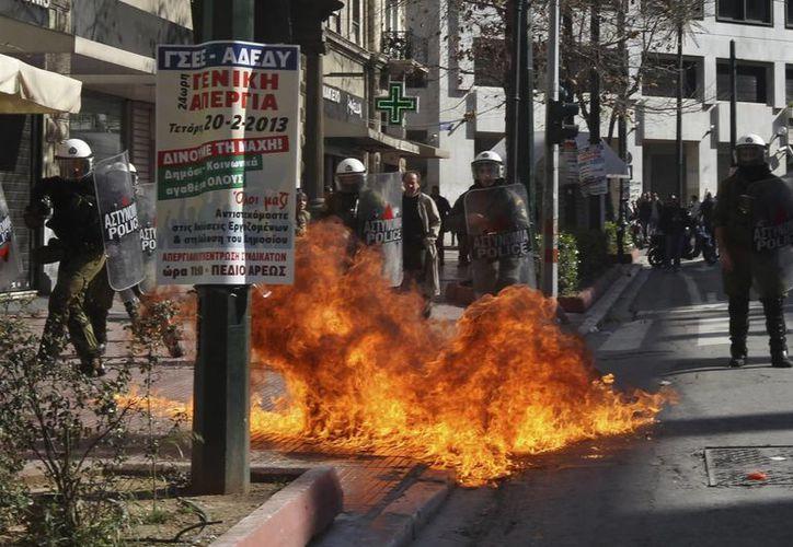 Los disturbios en la capital griega se recrudecieron. (EFE)