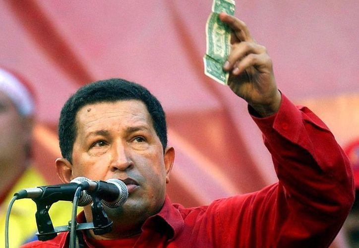 Cuando Chávez llegó al poder, Venezuela exportaba 49 millones de barriles a EU al mes. (Agencias)