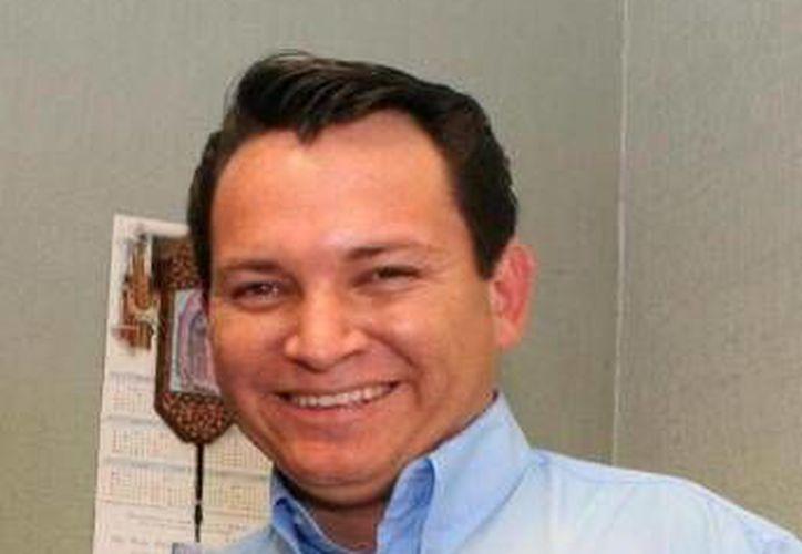 Docentes inconformes reclaman que 'Huacho' Díaz ya cuenta con una plaza de 40 horas. (Archivo)