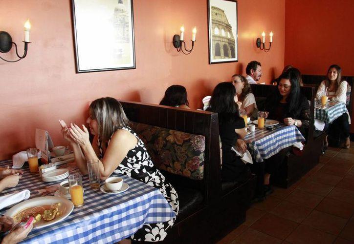 En lo que va del año, en la zona hotelera cerraron 40 restaurantes. (Redacción/SIPSE)