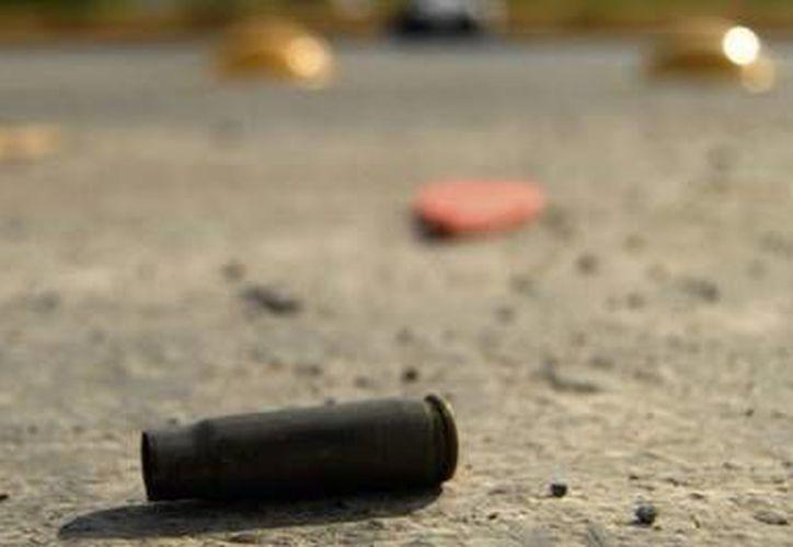 La policía encontró en la escena del crimen nueve casquillo de diversos calibres. (Foto de contexto/noticiaslagaceta.com)
