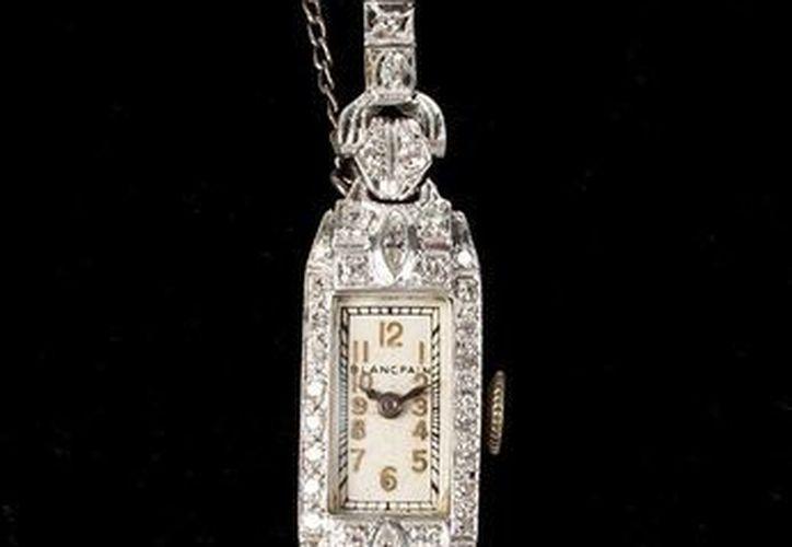 Imagen de un reloj de platino y diamantes de Blancpain, una de las escasas joyas que poseía Monroe en propiedad. (EFE)