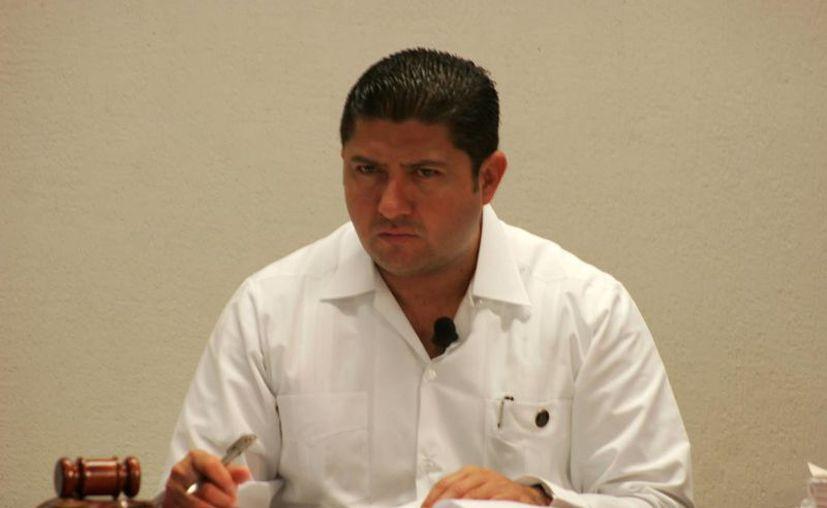 El Magistrado Presidente del Teqrro, Víctor Vivas Vivas, señaló que hoy en día los derechos político electorales del ciudadano están potenciados al máximo. (Harold Alcocer/SIPSE)