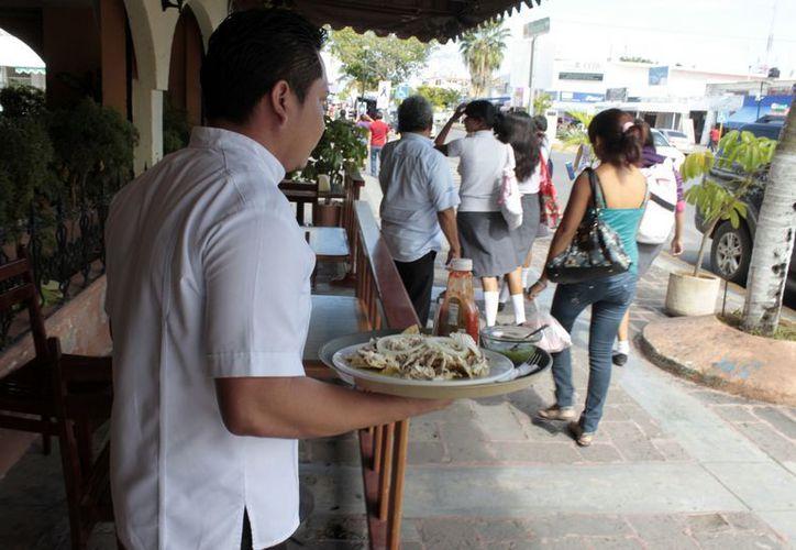 Restaurantes del sur del estado apuestan a las promociones. (Francisco Sansores/SIPSE)