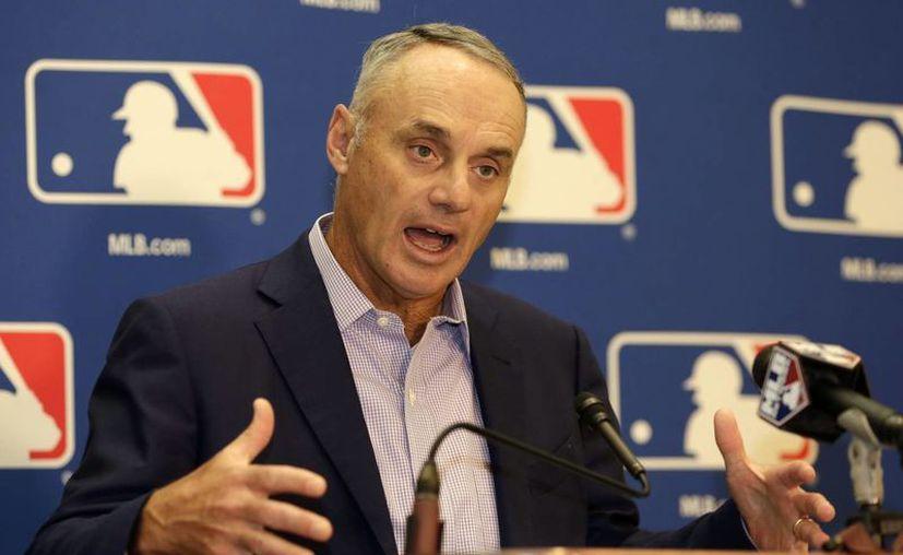 No creo que tendremos una solución mágica en un año para resolver lo del ritmo de los juegos, declaró el comisionado de las Grandes Ligas, Rob Manfred. (AP)